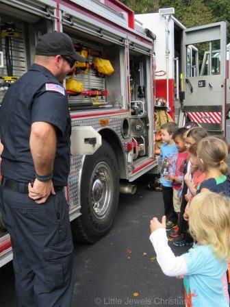 2016__lj_firefighter-visit-109
